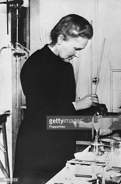 Personalities Medicine Science/Health pic circa 1921 Marie Curie 18671934 pictured on the premises of the Radium Institute Paris