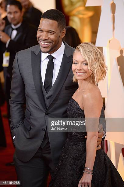 Personalities Michael Strahan and Kelly Ripa attend the 87th Annual Academy Awards at Hollywood Highland Center on February 22 2015 in Hollywood...