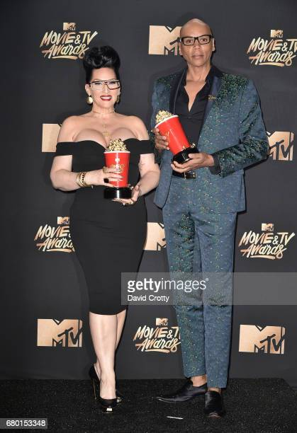TV personalities Michelle Visage and RuPaul winners of Best Reality Competition for 'RuPaul's Drag Race' pose in the press room during the 2017 MTV...