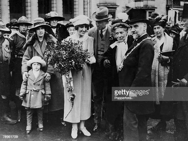 25th April 1921 Dr Marie Stopes with the Mayor of Stratford upon Avon ay a ceremony of unfurling the flags of all nations Marie Stopes was a...