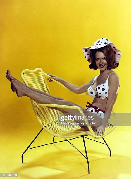 Personalities pic circa 1960's Actress Jane Wald posing in matching bikini and hat