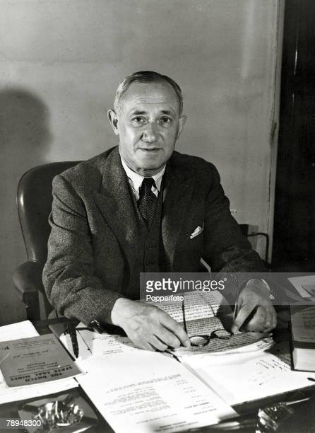 """Personalities, Politics, pic: circa 1945,Emanuel """"Manny"""" Shinwell, portrait, pictured at his desk, Lord Emanuel Shinwell, was a Labour politician,..."""
