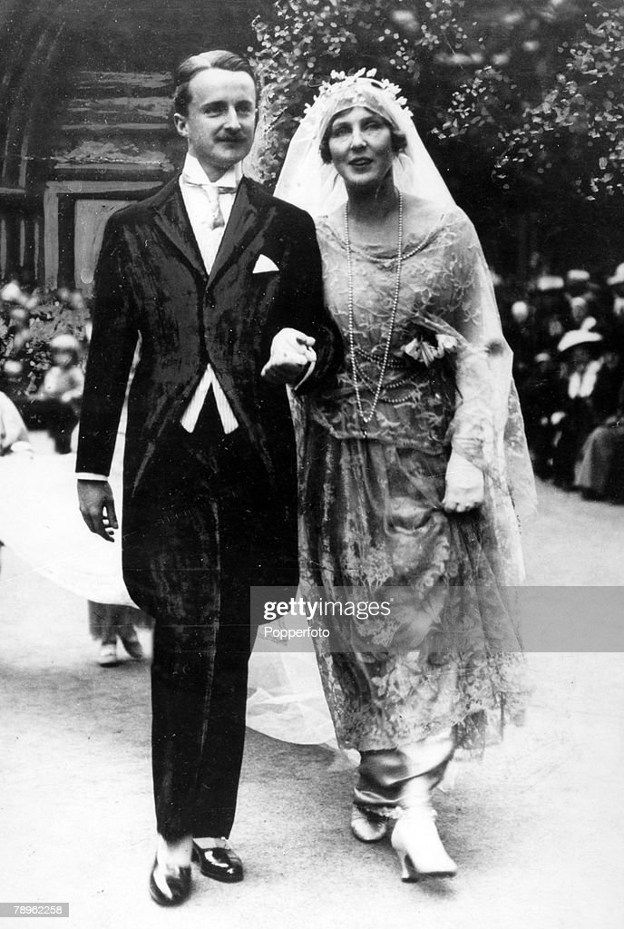 Personalities. Politics. pic: June 1919. The wedding of Alfred Duff Cooper and Lady Diana Manners showing them leaving the church. : News Photo