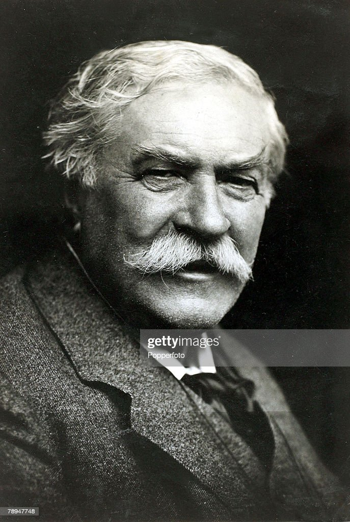 Personalities. Socialism. pic: circa 1910. Ernest Belfort Bax, who was born in Leamington in 1854, a journalist and writer and strong Socialist, who in the mid 1880's helped to form the Socialist League. : News Photo