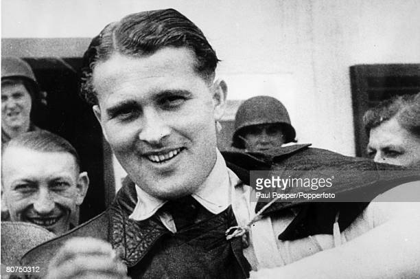 1945 Rocket pioneer Werner von Braun pictured after his capture by Allied forces before his move to live in America Werner von Braun born in Germany...