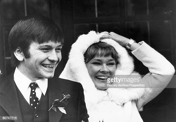 6th February 1971 Hampstead London Actors Michael Williams and Judi Dench after their marriage at St Mary's Hampstead British actress Judi Dench is...