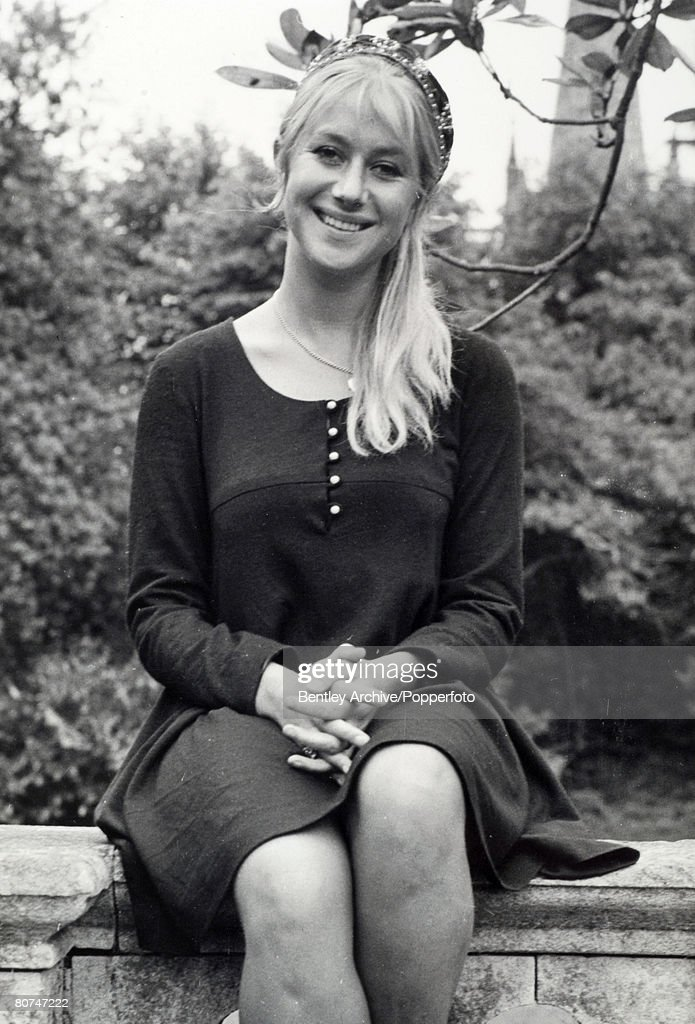 """Personalities Stage and Screen. pic: 7th June 1968. Stratford Upon Avon. British actress Helen Mirren (born 1945 Ilyena Vasilievna Mironov) acclaimed film and stage actress, pictured when she was appearing with the Royal Shakespeare Company in """"Troilus a : News Photo"""