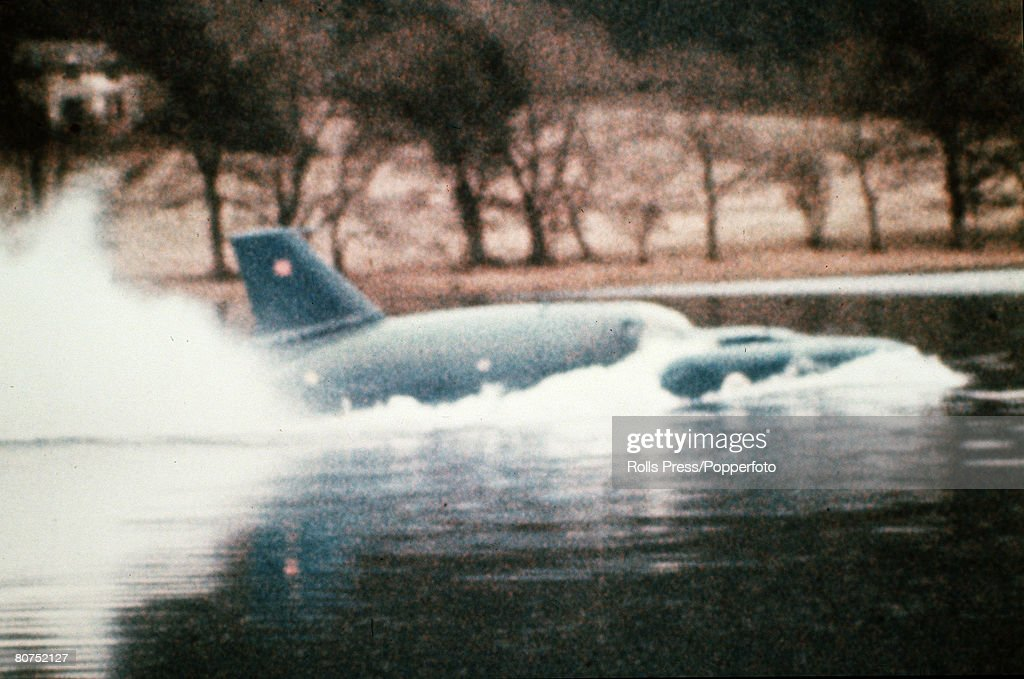 Personalities, Water Speed Record, Coniston Water, Lake District, England, pic: 4th January 1967, Donald Campbell in 'Bluebird' makes his attempt on his own water speed record, which ended tragically in his death,when the nose of the craft lifted from the water at over 300 mph and catapulted into the air before crashing down on the water, killing him instantly