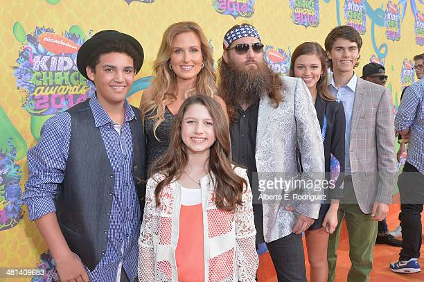 TV personalities Willie Robertson wife Korie Robertson and children attend Nickelodeon's 27th Annual Kids' Choice Awards held at USC Galen Center on...