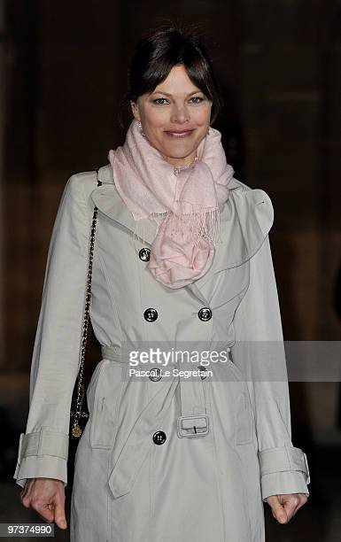 Personality Alexandra Kazan arrives to attend a state dinner honouring visiting Russian President Dmitry Medvedev at Elysee Palace on March 2 2010 in...