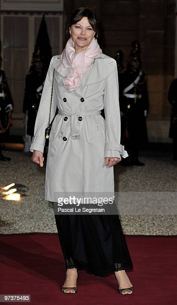 Personality Alexandra Kazan arrives to attend a state dinner honouring visiting Russian President Dmitry Medvedev at the Elysee Palace on March 2...