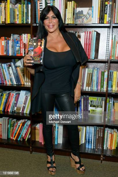 TV personality Angela Big Ang Raiola promotes Bigger Is Better Real Life Wisdom From the NoDrama Mama at Barnes Noble Tribeca on September 13 2012 in...
