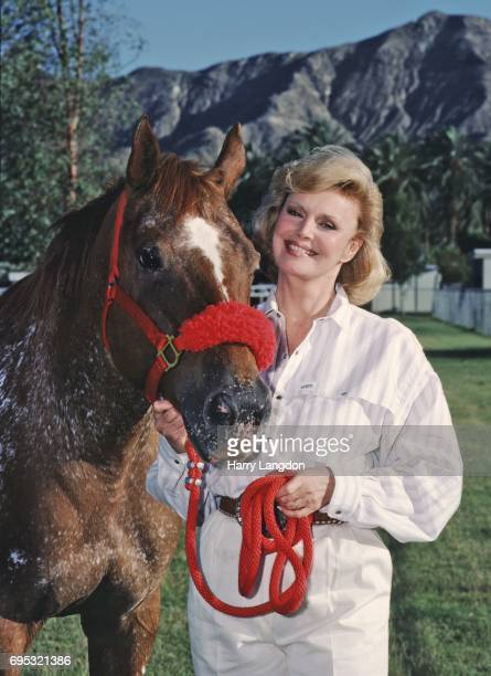 Personality Barbara Sinatra poses for a portrait in 1985 in Palm Springss California