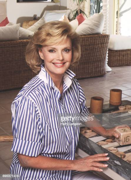 Personality Barbara Sinatra poses for a portrait in 1985 in Palm Springss, California.