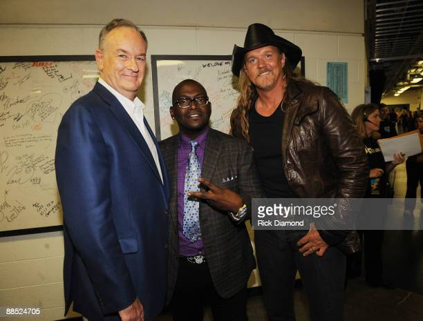TV personality Bill O'Reilly musicians Randy Jackson and Trace Adkins attend the 2009 CMT Music Awards at the Sommet Center on June 16 2009 in...