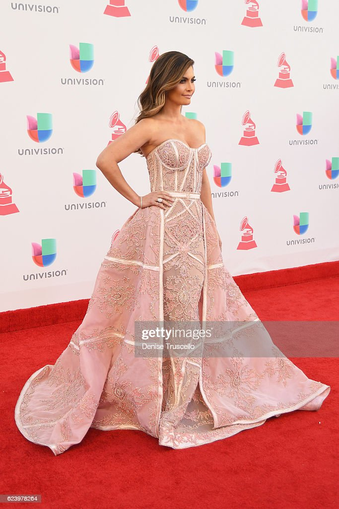 The 17th Annual Latin Grammy Awards - Arrivals : News Photo