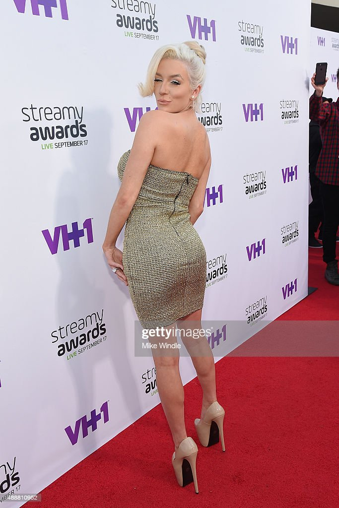 The 5th Annual Streamy Awards - Red Carpet