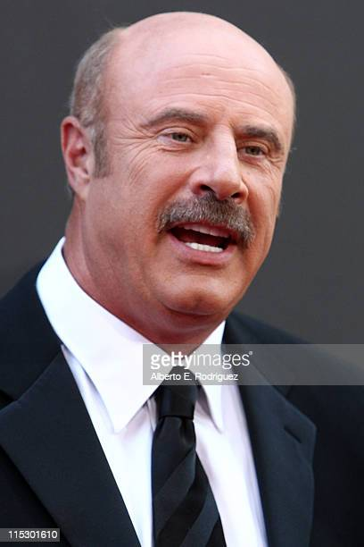 Personality Dr. Phil McGraw arrives at the 36th Annual Daytime Emmy Awards at The Orpheum Theatre on August 30, 2009 in Los Angeles, California.