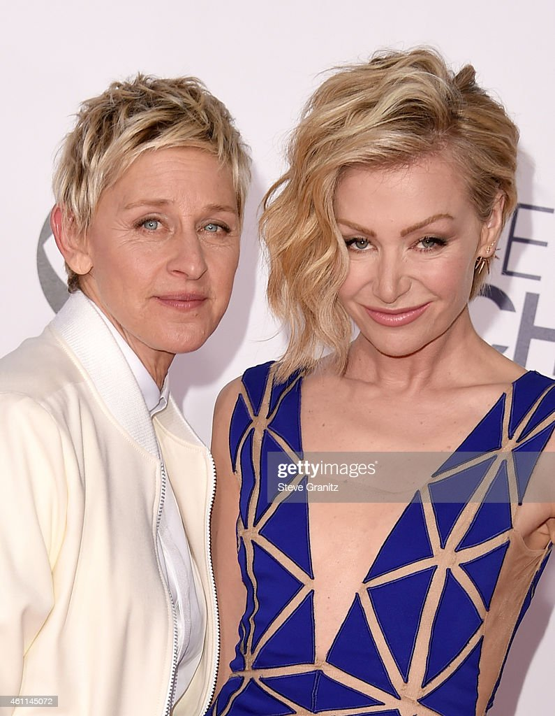 TV personality Ellen DeGeneres (L) and actress Portia de Rossi attend The 41st Annual People's Choice Awards at Nokia Theatre LA Live on January 7, 2015 in Los Angeles, California.