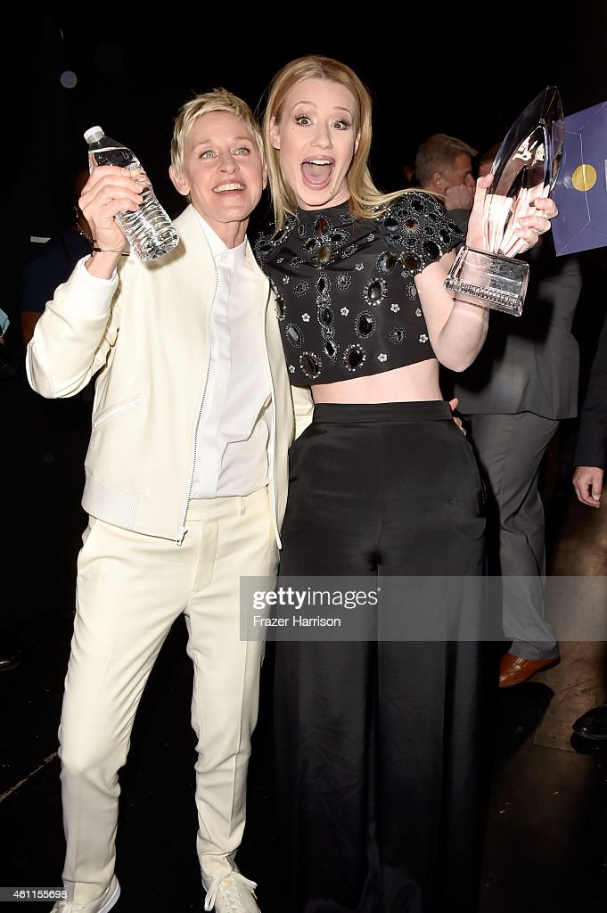 TV personality Ellen DeGeneres (L) and recording artist Iggy Azalea attend the The 41st Annual People's Choice Awards at Nokia Theatre LA Live on January 7, 2015 in Los Angeles, California.