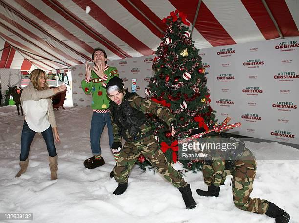 Arthur Christmas Elves.World S Best Sony Pictures Arthur Christmas Living Billboard