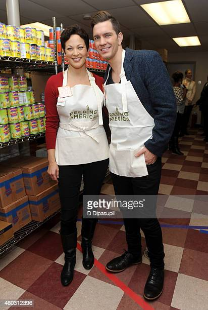 TV personality Ellie Krieger and singersongwriter Andy Grammer attend Feeding America Hosts BiCoastal Celebrity Volunteer Event at the Food Bank For...