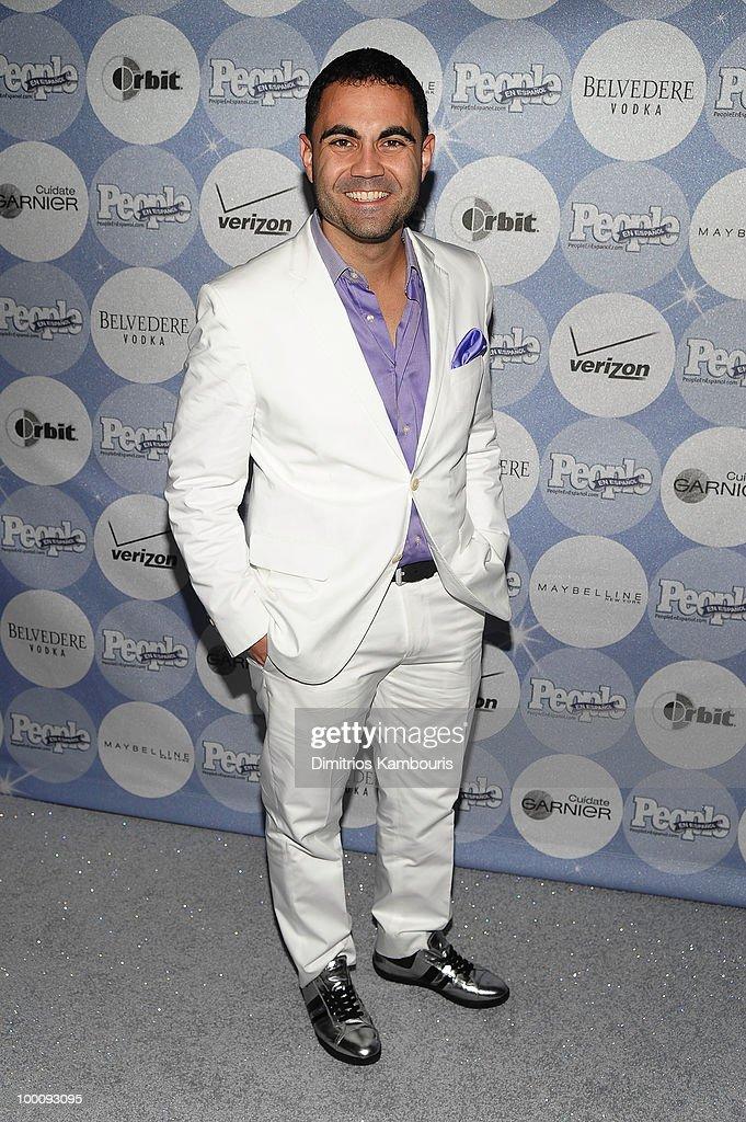 TV personality Enrique Santos attends the People en Espanol Los 50 Mas Bellos party at Gustavino's on May 20, 2010 in New York City.