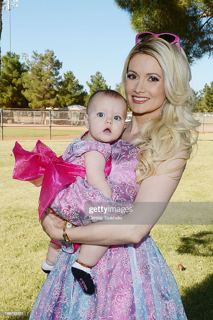 TV Personality Holly Madison Attends Animal Foundation: The Forever Home Family Picnic