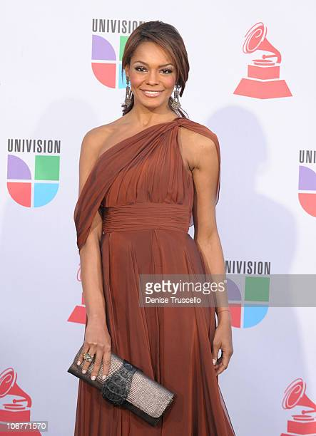 TV personality Ilia Calderon arrives at the 11th Annual Latin GRAMMY Awards held at the Mandalay Bay Events Center on November 11 2010 in Las Vegas...
