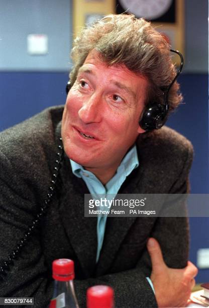 TV personality Jeremy Paxman during a photocall in London this morning where he presented Radio 4's 'Start The Week' Photo by Matthew Fearn/PA