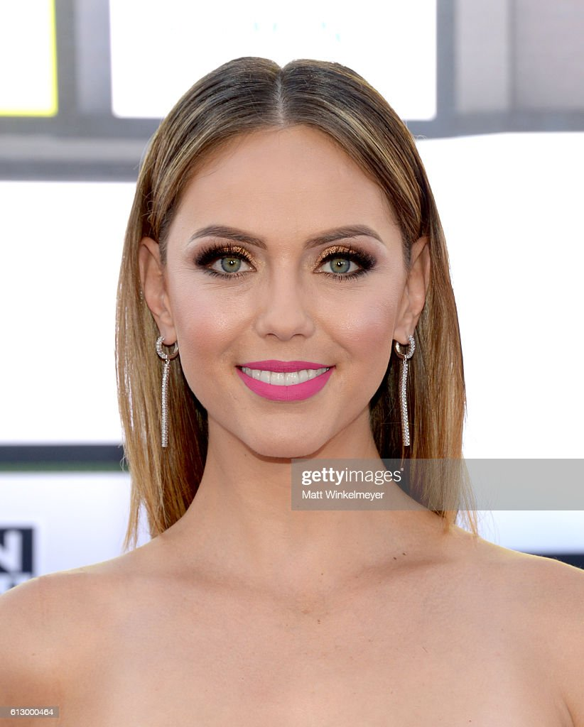 TV personality Jessica Carrillo attends the 2016 Latin American Music Awards at Dolby Theatre on October 6, 2016 in Hollywood, California.
