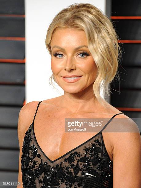 TV personality Kelly Ripa attends the 2016 Vanity Fair Oscar Party hosted By Graydon Carter at Wallis Annenberg Center for the Performing Arts on...