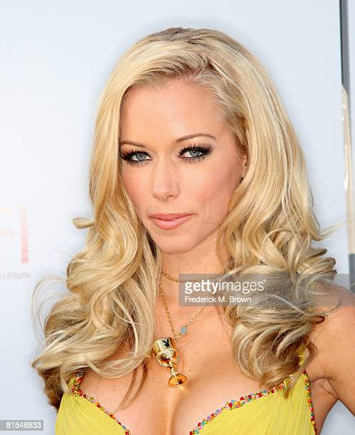 Kendra warren stock photos and pictures getty images tv personality kendra wilkinson arrive at the 36th afi life achievement award tribute to warren beatty pmusecretfo Image collections