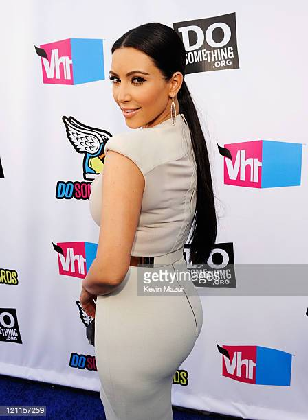 Personality Kim Kardashian arrives at the 2011 VH1 Do Something Awards at the Hollywood Palladium on August 14, 2011 in Hollywood, California.