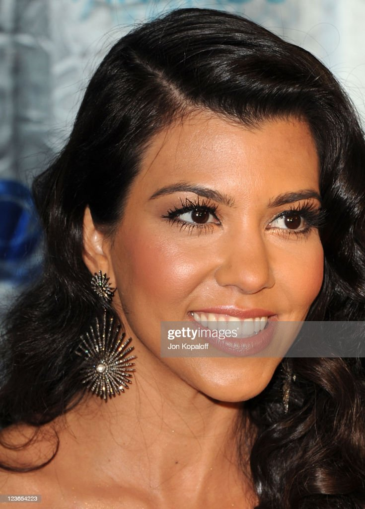 TV personality Kourtney Kardashian arrives at the 2011 People's Choice Awards at Nokia Theatre L.A. Live on January 5, 2011 in Los Angeles, California.