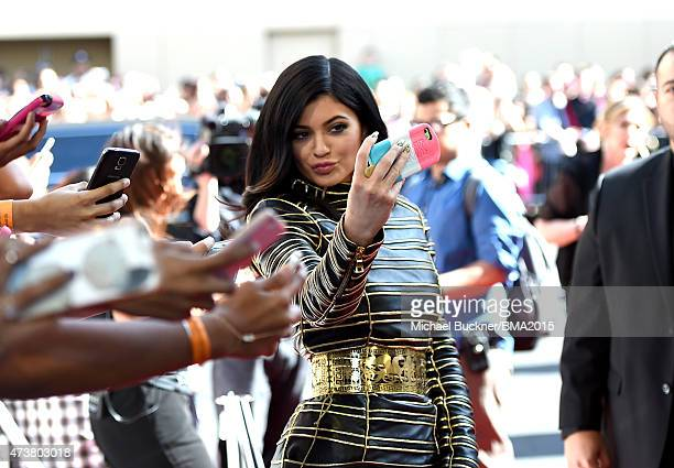 Personality Kylie Jenner poses for a selfie on the red carpet during the 2015 Billboard Music Awards at MGM Grand Garden Arena on May 17, 2015 in Las...