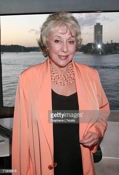 Lorrae Desmond Photos Et Images De Collection Getty Images