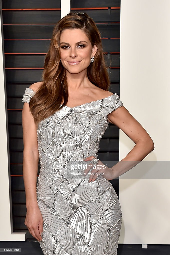TV personality Maria Menounos attends the 2016 Vanity Fair Oscar Party hosted By Graydon Carter at Wallis Annenberg Center for the Performing Arts on February 28, 2016 in Beverly Hills, California.