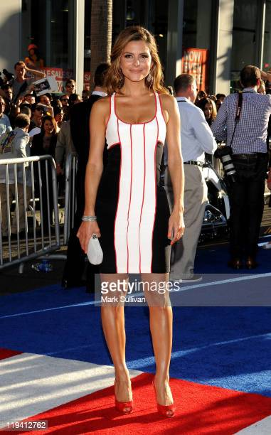 TV personality Maria Menounos attends the Los Angeles Premiere of Captain America The First Avenger at the El Capitan Theatre on July 19 2011 in...