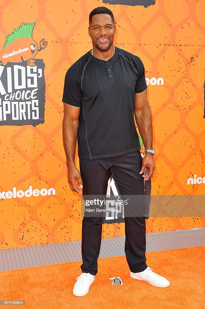 TV personality Michael Strahan arrives at the Nickelodeon Kids' Choice Sports Awards 2016 at UCLA's Pauley Pavilion on July 14, 2016 in Westwood, California.