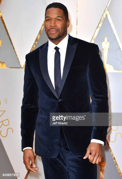 TV personality Michael Strahan attends the 89th Annual Academy Awards at Hollywood Highland Center on February 26 2017 in Hollywood California