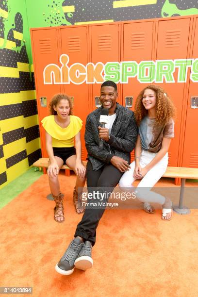Personality Michael Strahan with Sophia Strahan and Isabella Strahan attend Nickelodeon Kids' Choice Sports Awards 2017 at Pauley Pavilion on July...