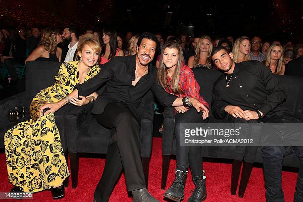 TV Personality Nicole Richie singer Lionel Richie Sofia Richie and Miles Richie attend Lionel Richie and Friends in Concert presented by ACM held at...
