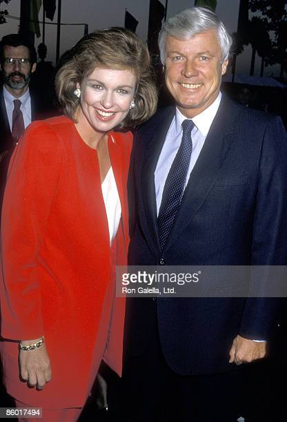 TV personality Phyllis George and politician John Y Brown Jr attend the USA Today's Fifth Anniversary Celebration on September 10 1987 at The Culver...