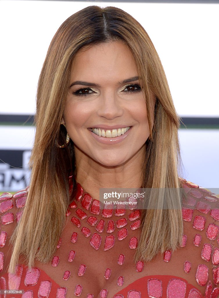 2016 Latin American Music Awards - Arrivals : News Photo