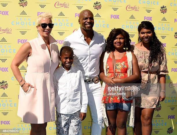 TV personality Rebecca Crews Isaiah Crews actor Terry Crews Wynfrey Crews and Tera Crews attend the Teen Choice Awards 2015 at the USC Galen Center...