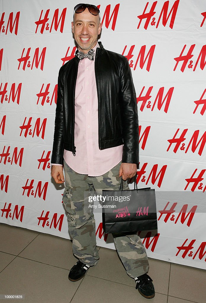 TV personality Robert Verdi attends H&M's launch of Fashion Against AIDS at H&M Fifth Avenue on May 19, 2010 in New York City.