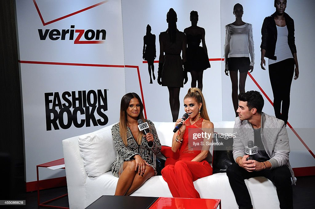 Garnier, Maybelline New York, And Verizon Backstage At Fashion Rocks 2014 : News Photo