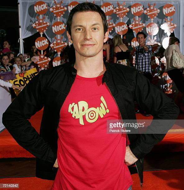 TV personality Rove McManus arrives on the orange carpet at the fourth annual Nickelodeon Australian Kids' Choice Awards 2006 at the Sydney...