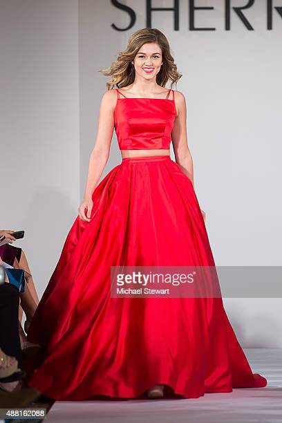 TV personality Sadie Robertson walks the runway at the Sherri Hill fashion show during Spring 2016 New York Fashion Week The Shows at The Plaza on...
